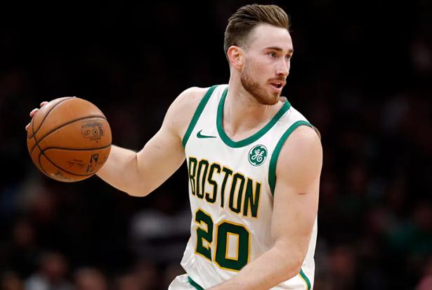 Los Celtics y los Hornets firmaron un contrato por Gordon Hayward