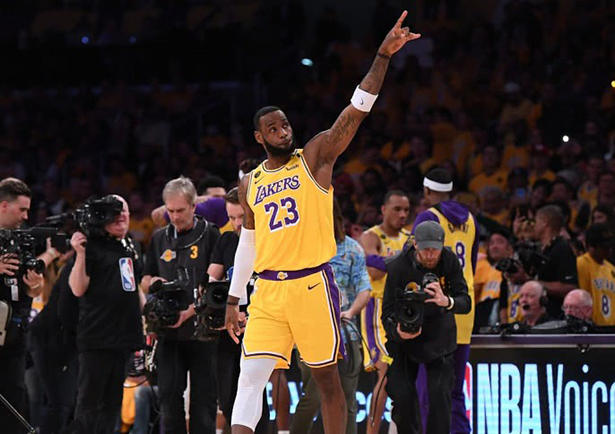 Los Lakers confirmaron que comenzarán la temporada sin espectadores
