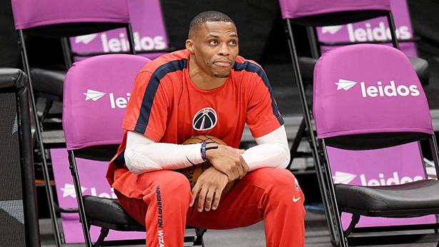 Russell Westbrook está promediando un triple-doble nuevamente, pero a todos ya no les importa